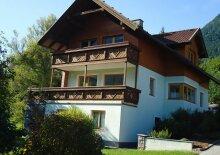 Landhaus zwischen Berg und See