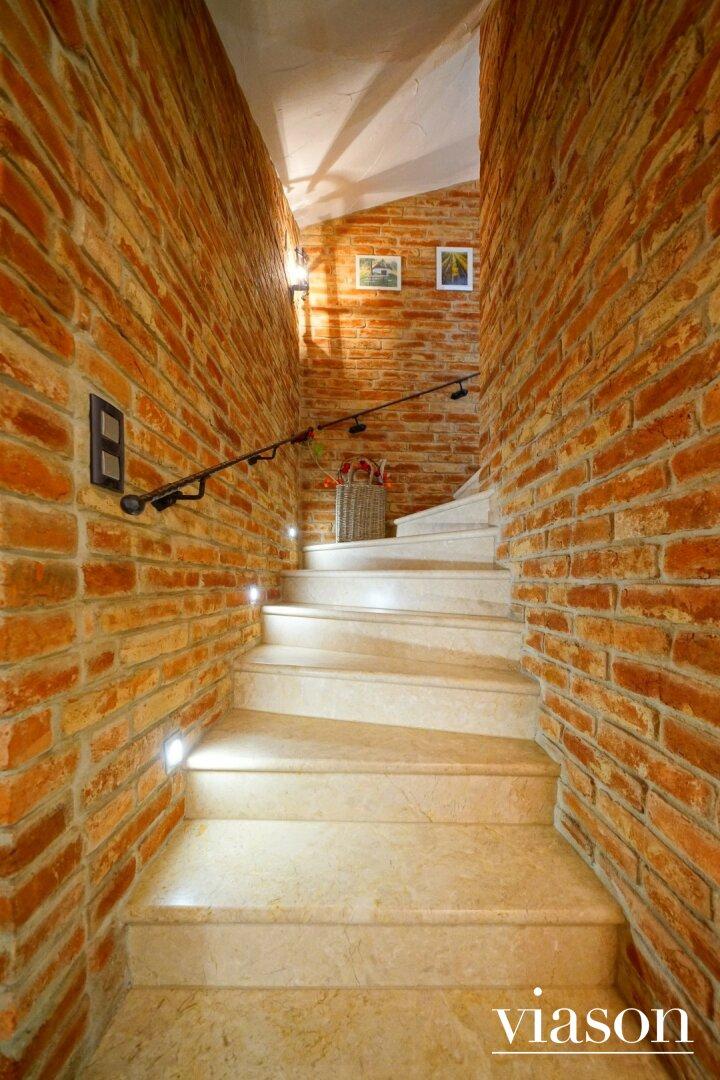 Stiegenaufgang Keller