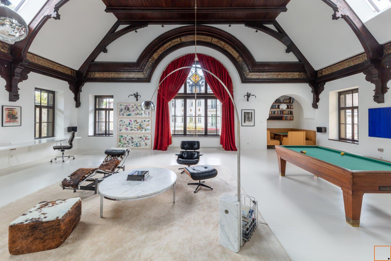 offener Wohnraum mit Küche