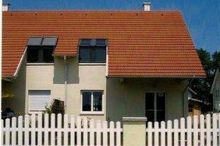 Doppelhaushälfte  im GRÜNEN, mit Platz  und zentralen Zimmern