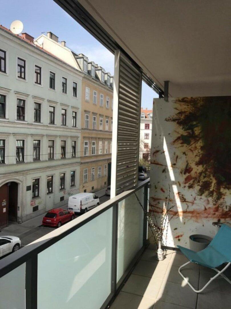 Westseitiger Balkon mitten in der City