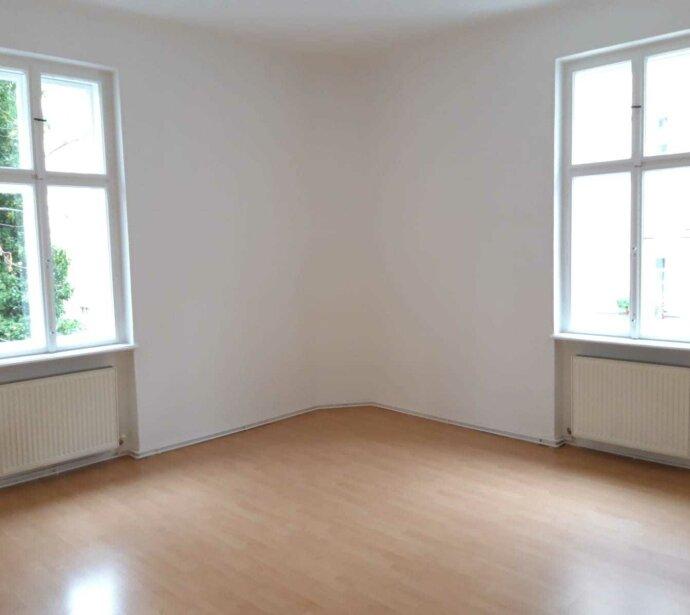 Adaptierte 2-Zimmer-Altbauwohnung in guter Lage des 14. Bezirks