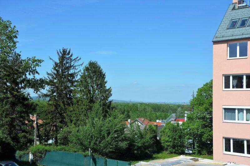 STADTWOHNUNG - Erstbezug mit Balkon und Autostellplatz