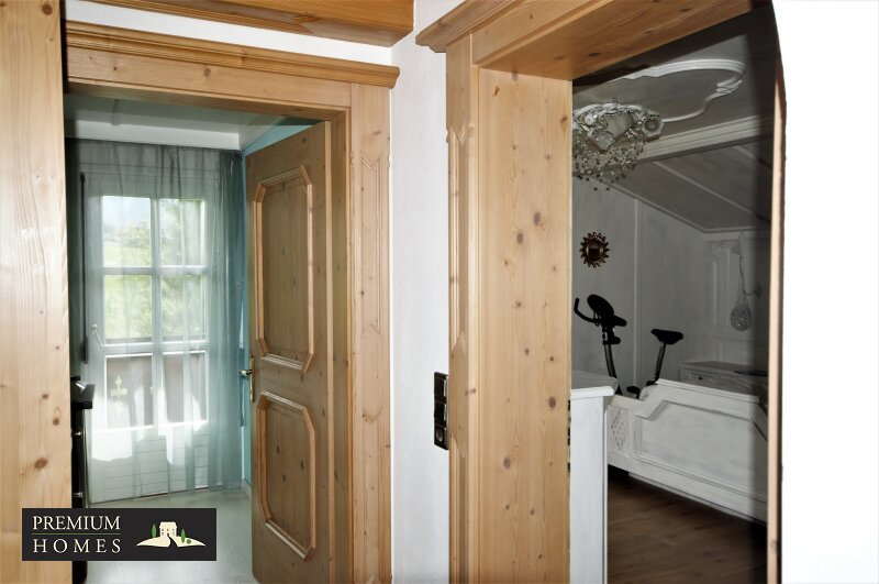 Breitenbach am Inn - Elegantes Landhaus - Flur 1 Stock