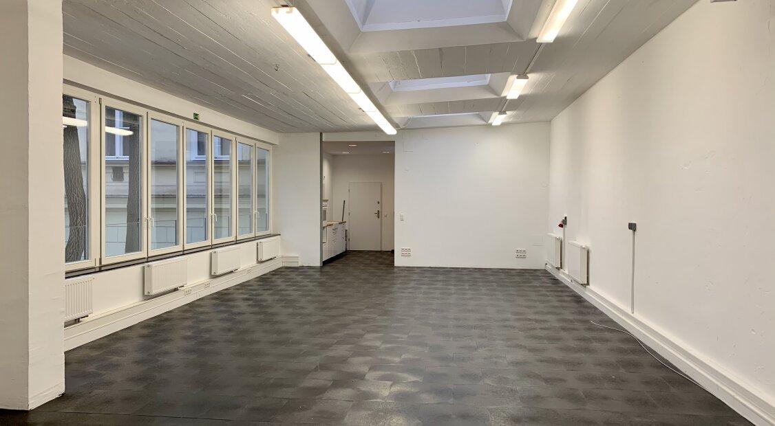 Hofseitiges Büroloft | Top Lage in der Liechensteinstraße