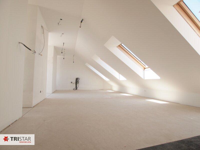 Hochwertig errichtete 3 Zimmer DG-Wohnung mit großer Wohnküche, Bad, separater Toilette und Terrasse, in wunderschöner Innenhofruhelage! /  / 1100Wien / Bild 3