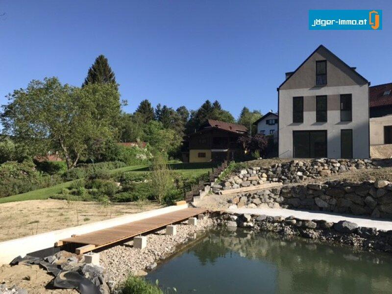 Einfamilienhaus in Exklusiver Lage mit eigenem Teich
