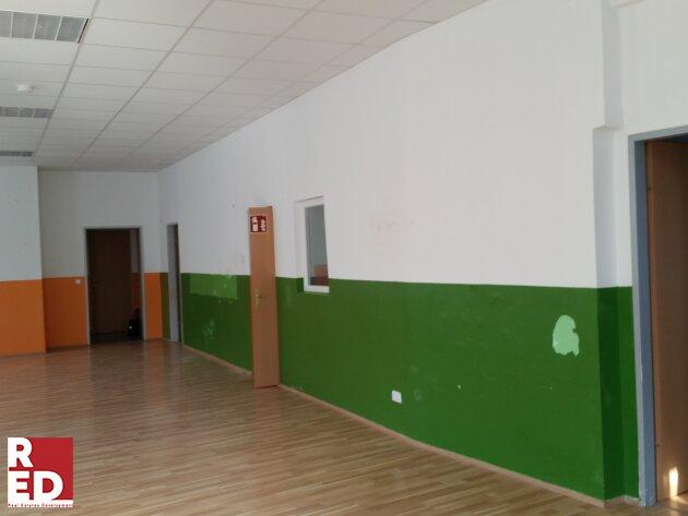 Kindergartenräume   frei  mit vielen Möglichkeiten und guter Frequenz