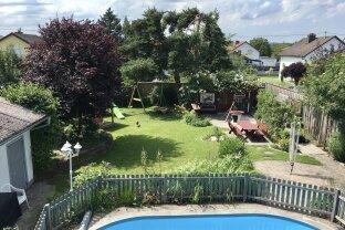 VERKAUFT! Klimatisierte Wohlfühl-Oase mit Pool in Wels-Land