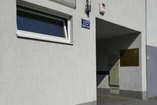 Garagenstellplatz Wagramer Straße 127, Nähe Kagraner Platz / Donauzentrum!