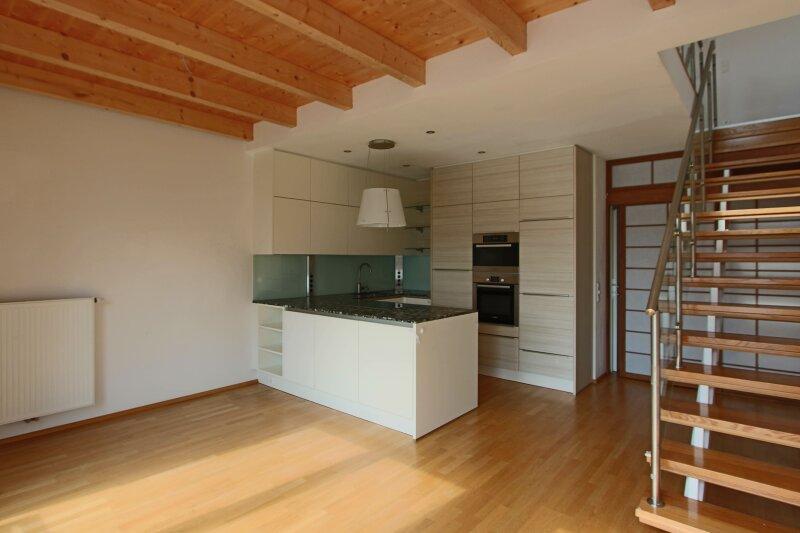 Hochwertige DG Wohnung mit Balkon und Designküche! /  / 1160Wien / Bild 2