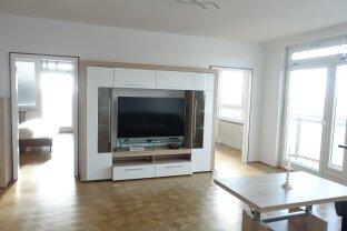 VERGEBEN Erstklassige Raumaufteilung, tadellose Ausstattung, frisch renoviert, einmalige Aussicht !