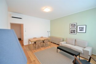 Provisionsfrei: Barrierefreie klimatisierte 4-Zimmerwohnung mit Loggia