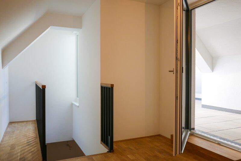 Zimmer und Terrasse