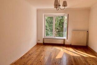 Hofgrünruhelage, Nähe Sonnbergplatz! 2 Zimmer mit extra Küche, 66 m2 mit wunderschönem Blick ins Grüne.