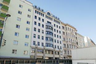 Erstbezug nach Generalsanierung: 2-Zimmer-Wohnung in zentraler Lage