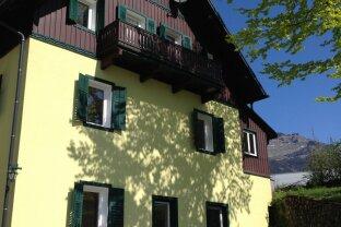 ALTAUSSEE: 2-ZI Dachgeschoss-Wohnung mit Balkon