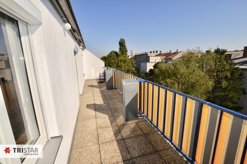 Helle ruhige Dachgeschosswohnung mit 2 Terrassen +++ Kahlenbergblick +++ inkl Garagenplatz +++ Lift