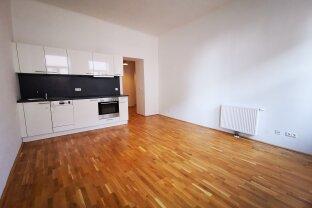 UNBEFRISTETE 3 Zimmer - neu saniert und zentral gelegen - Wohnen am Belvedere / Schweizer Garten !
