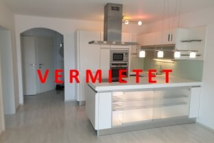 Neuwertige 3-Zimmer-Dachgeschoss-Wohnung mit West-Balkon in Villach/St. Leonhard
