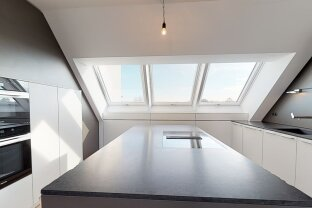 Exklusive Dachgeschosswohnung - Nahe U1-Station Kagraner Platz - 5-Zimmer mit großer Terrasse