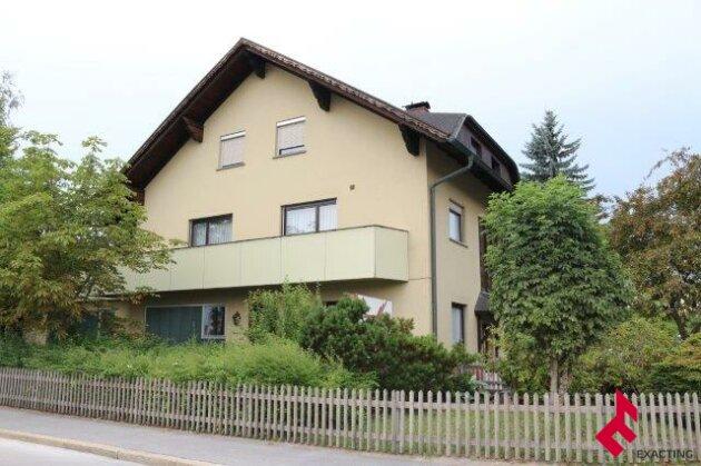 großes Wohnhaus  mit Gewerbeflächen