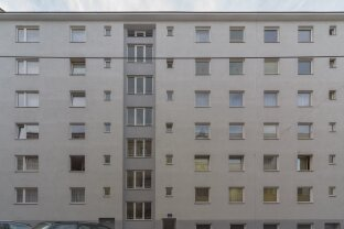 Befristet vermietete Wohnung, mit Loggia zu verkaufen