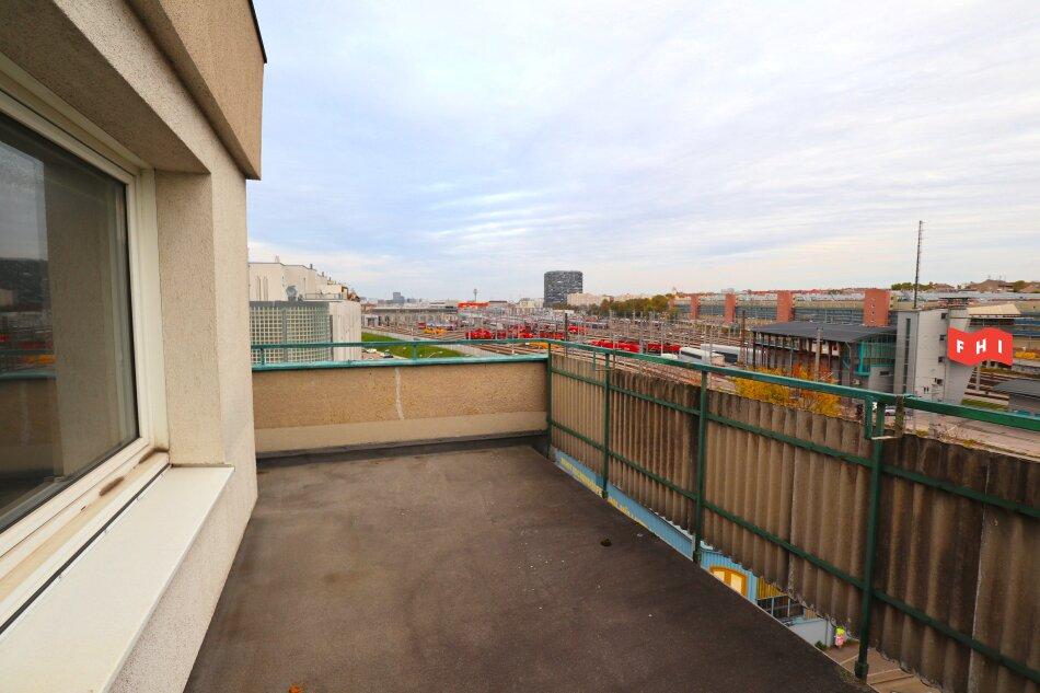 Renovierungsbedürftige Dachgeschoßwohnung im 12. Wiener Gemeindebezirk