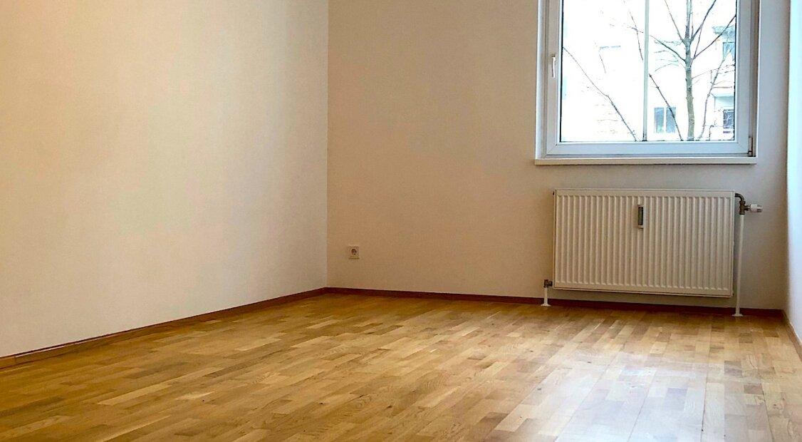 Wunderschöne neu sanierte Starter Wohnung