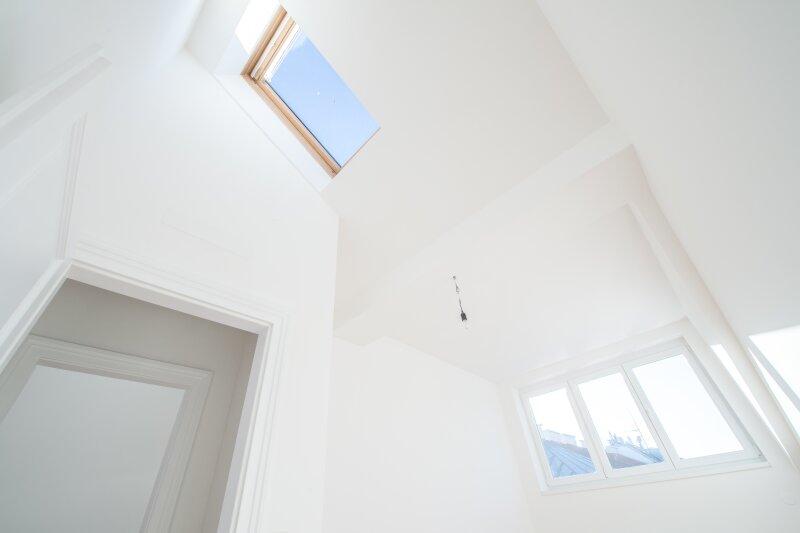 ++NEU** Kernsanierter DG-ERSTBEZUG! 3-Zimmer+getrennte Küche! 7m² uneinsehbare Terrasse! **VIDEOBESICHTIGUNG** PROVISIONSRABATT! /  / 1050Wien / Bild 2