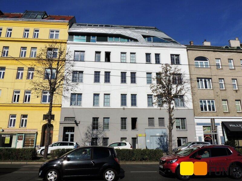 Moderne Dachgeschoss-Wohnung, Altbau in begehrter Wohnlage