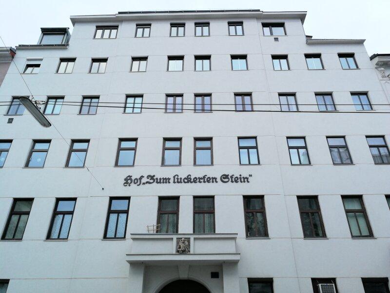 """TOP SANIERTER ERSTBEZUG - ALTBAU - """"Zum Luckerten Stein"""" - U-Bahn Nähe - 3 Stock - DESIGNER INNENTÜREN - LIFT /  / 1180Wien / Bild 2"""