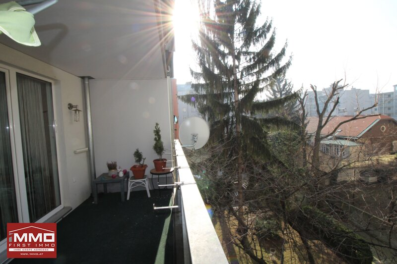 Schöne und sonnige 3 Zimmer Wohnung mit großer Loggia!