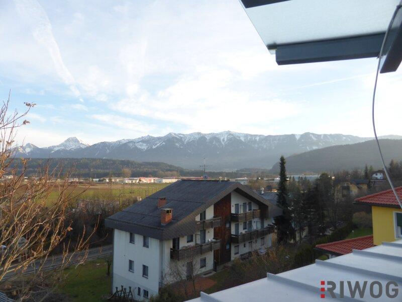 Dachgeschoss-Wohnung mit Blick in die Berge