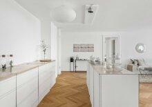 Altbau trifft Moderne, hochwertige 3-Zimmer-Luxusimmobilie im 3.OG