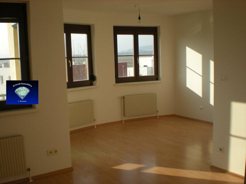 TOP- Mietwohnung mit Balkon und Tiefgaragenplatz - 012805