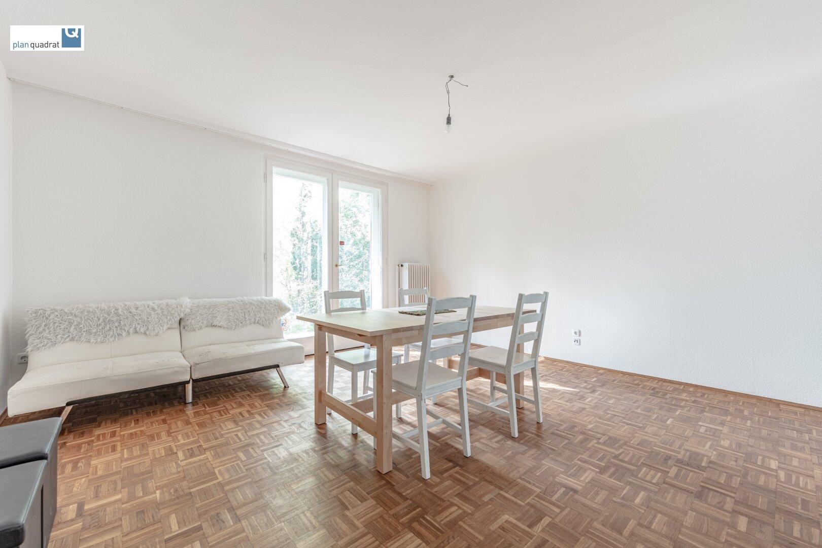 Zimmer 2 (ca. 18,60 m²) - mit Ausgang zur Terrasse