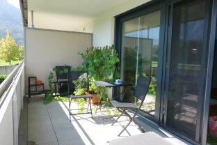 Terrassenhit mit Panoramablick - Stylische 2-Zi-Wohnung mit Tiefgaragenplatz