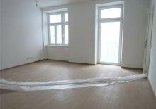 Erstbezug: 62m² Altbau + Balkon mit 3 Zimmern Nähe U3 Enkplatz!