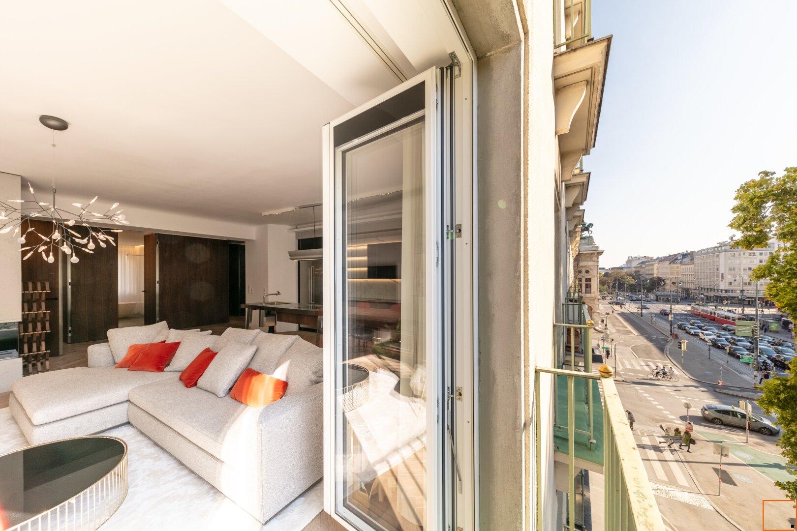Wohnzimmer mit Blick Richtung Oper