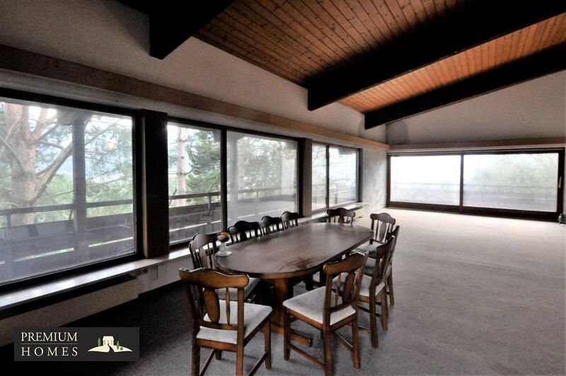 BREITENBACH am Inn - Alte Villa auf riesigem Grundstück zur Sanierung_Wohnzimmer