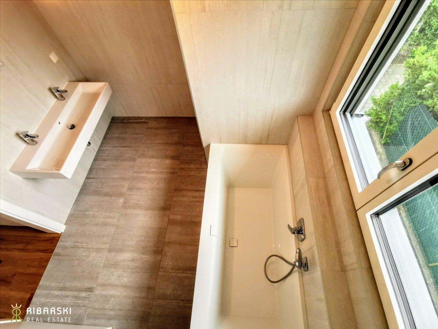 Badezimmer Vogelperspektive - Musterbild