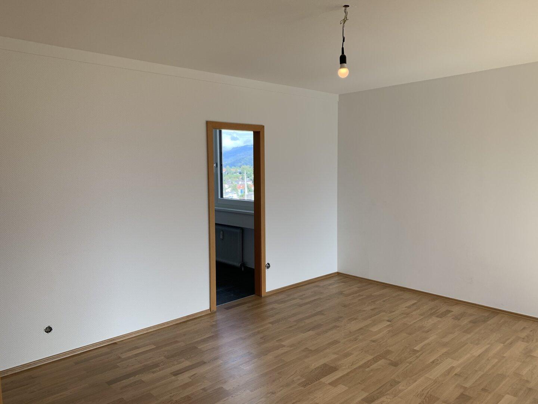 Wohnzimmer, Blickrichtung Küche