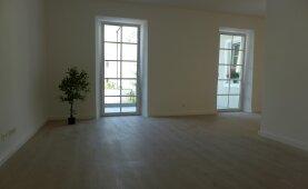 Moderne 2 Zimmer Wohnung auch für junge Senioren in generalsanierter Ceconi Villa - Salzburg Stadt