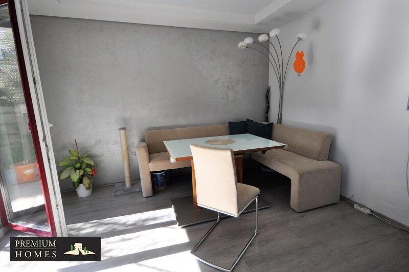 Angerberg_Doppelhaushälfte_Wohnzimmer_Sitzecke