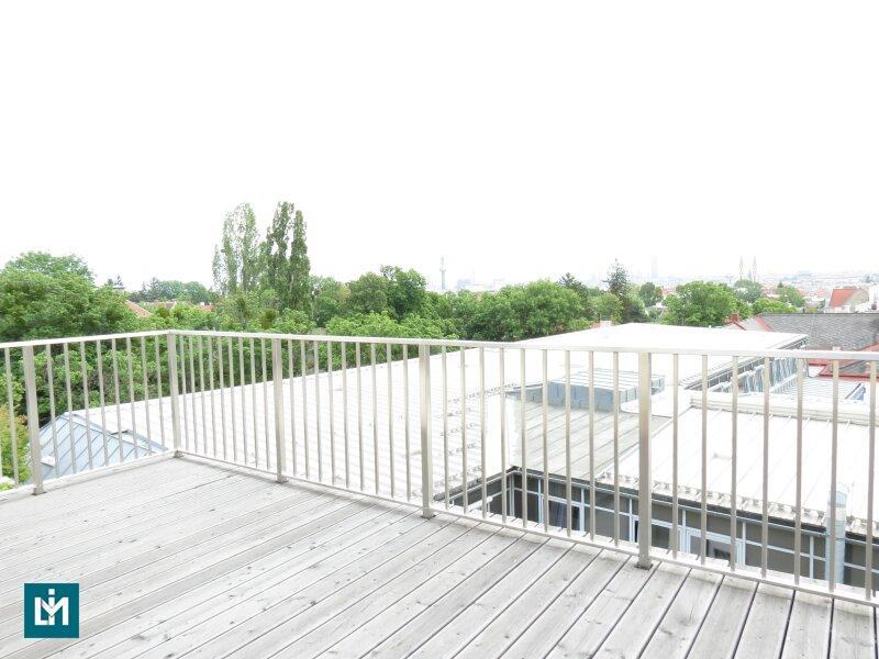 Luxus DG-Erstbezug mit 360° Wien-Weitblick & Home-Automatisierung (provisionsfrei!)