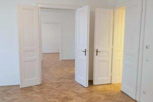 Erstbezug - Wundervoll sanierte 4 Zimmer Wohnung in top Lage