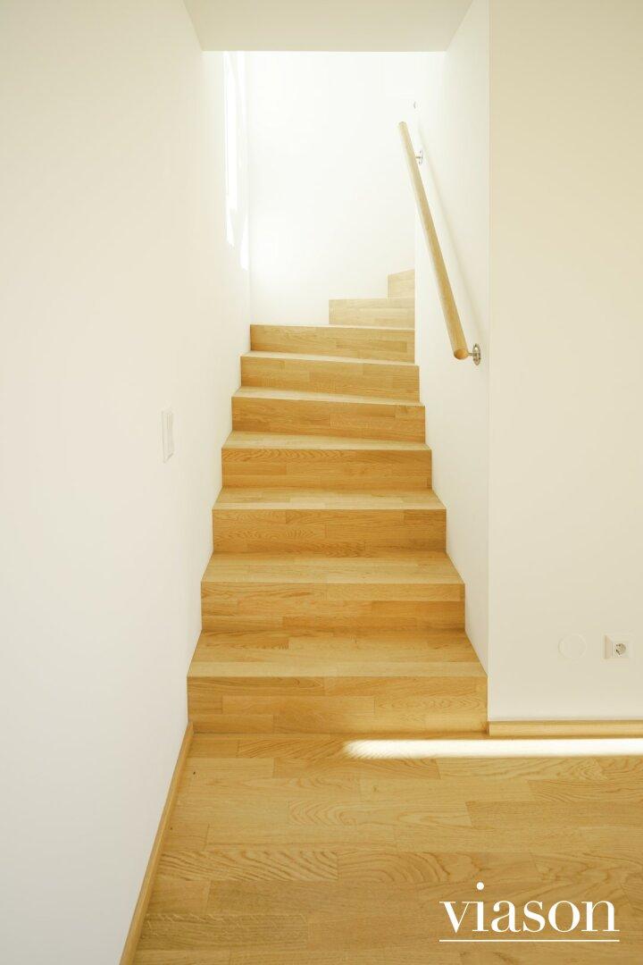 Treppen zu DG 1