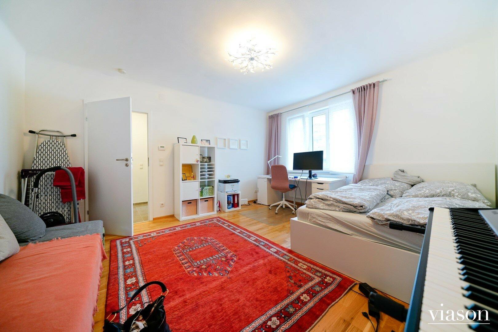 Wohn & Schlafzimmer