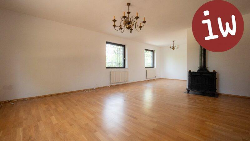 Großzügiges Einfamilienhaus mit Schwimmhalle in Grünruhelage Objekt_618 Bild_53
